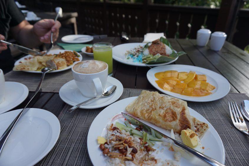 breakfast tanjong jara